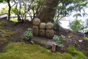 Temple Hasedara - statuettes