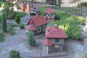 the-tudor-village