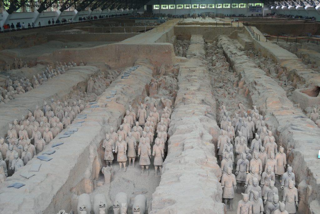 Armée de soldats enterres - 2