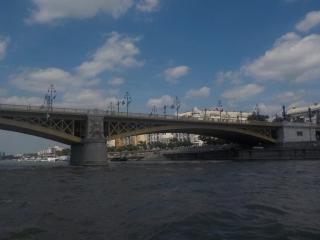 Vue depuis le bateau : pont