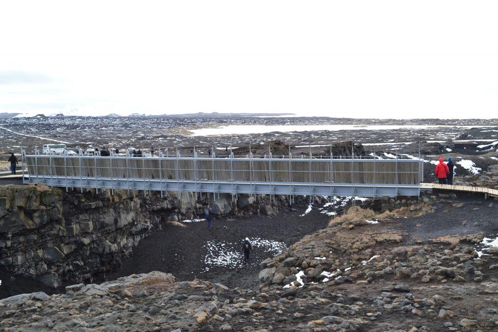 Pont entre les deux continents