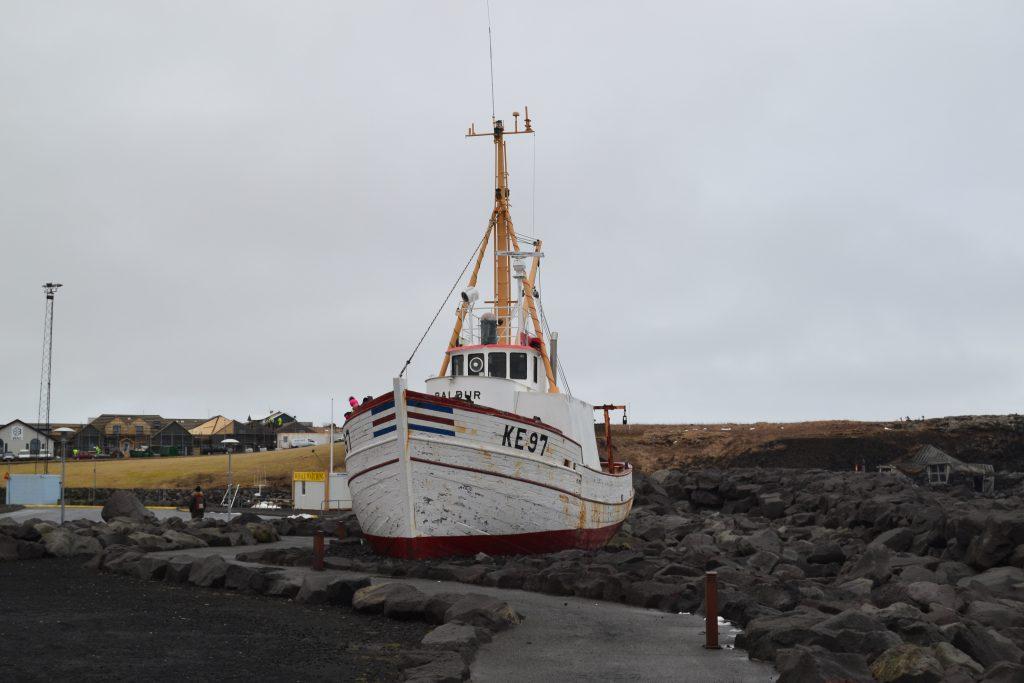 Vers le port