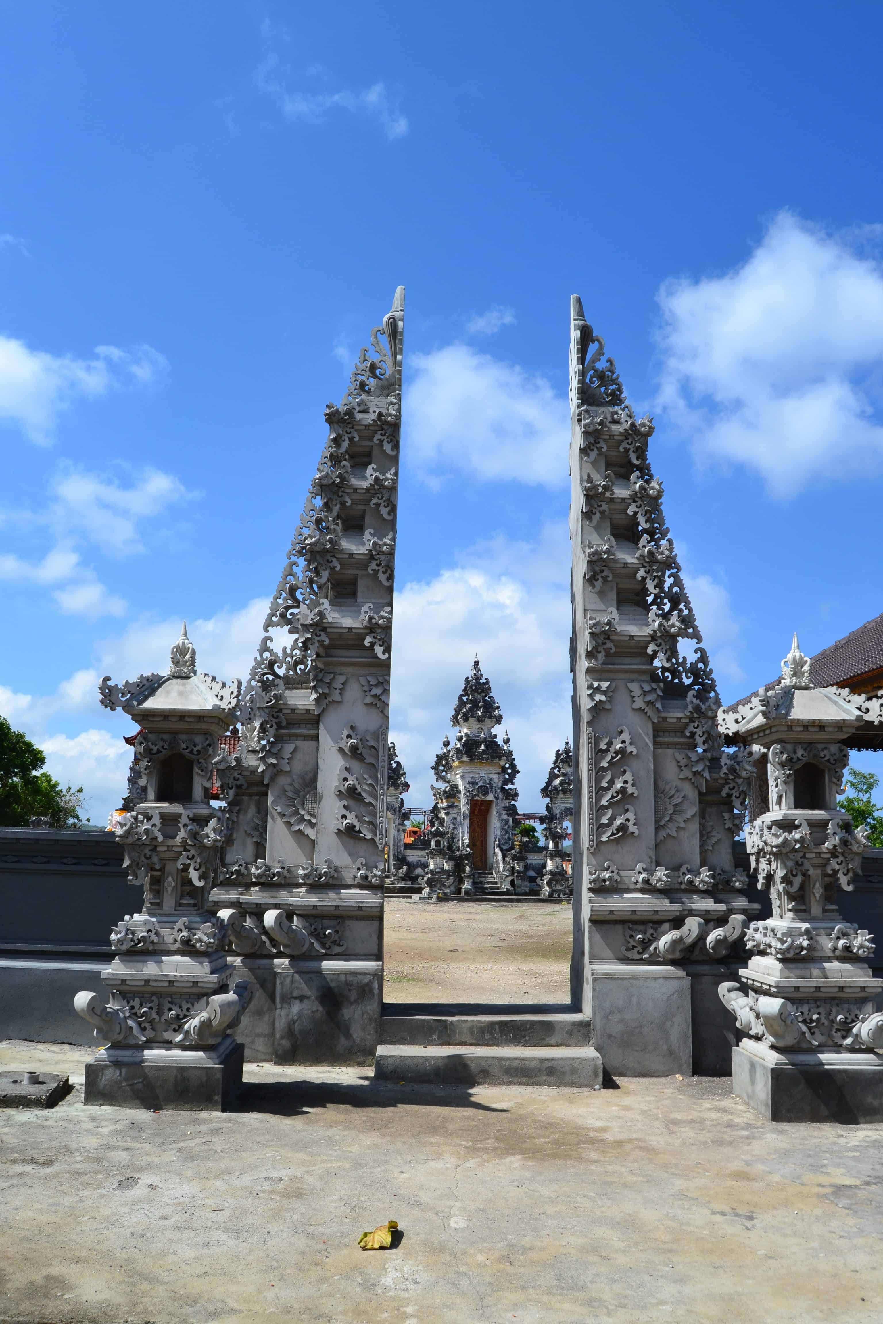 temple pura paluang