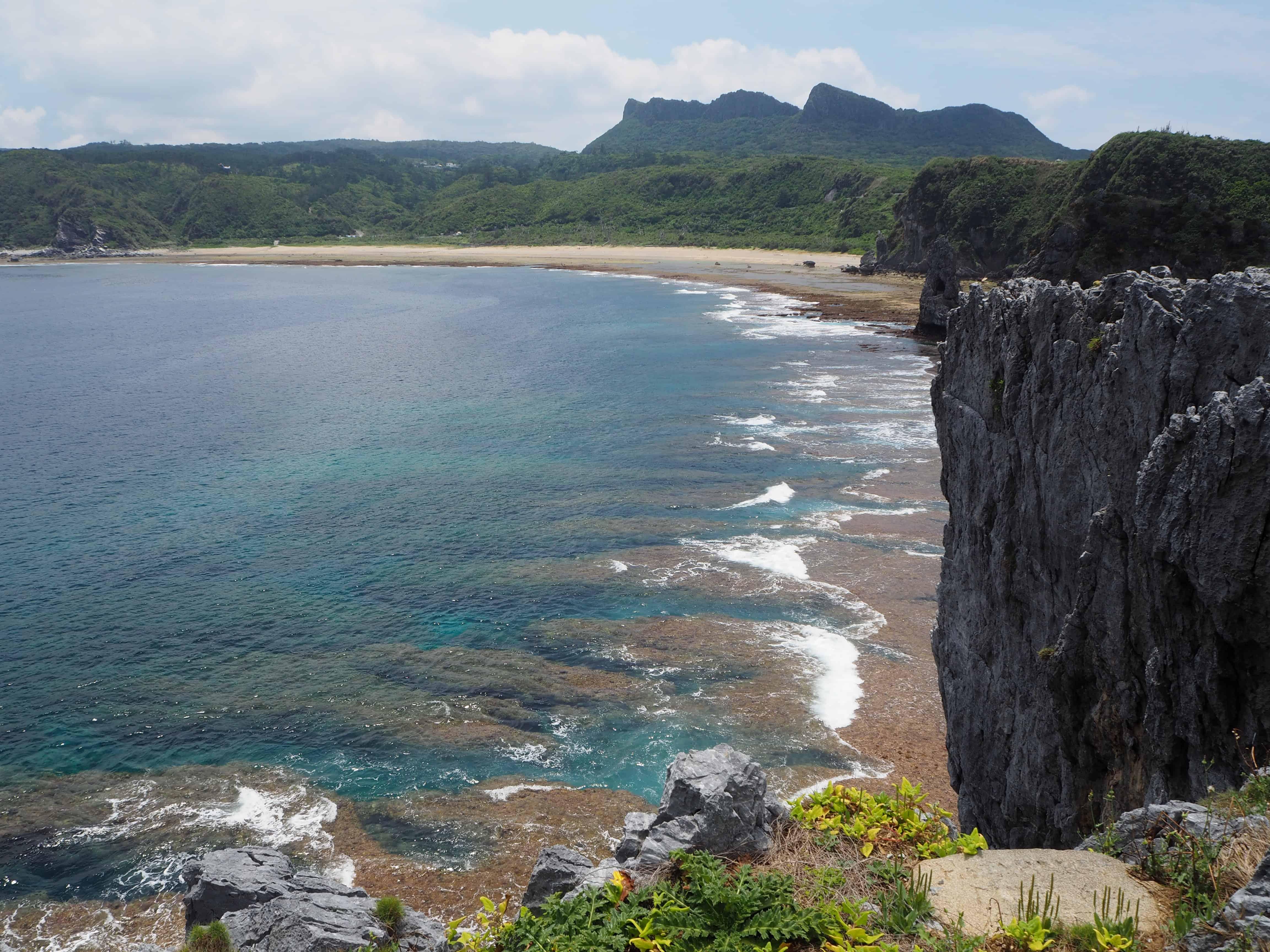 vue sur l'océan & montagne