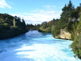 eau bleue glaciale