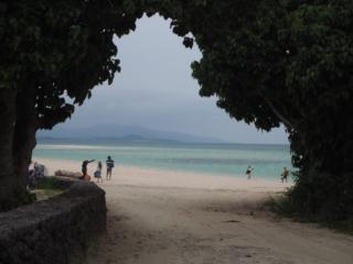 belle entrée et vue sur la plage