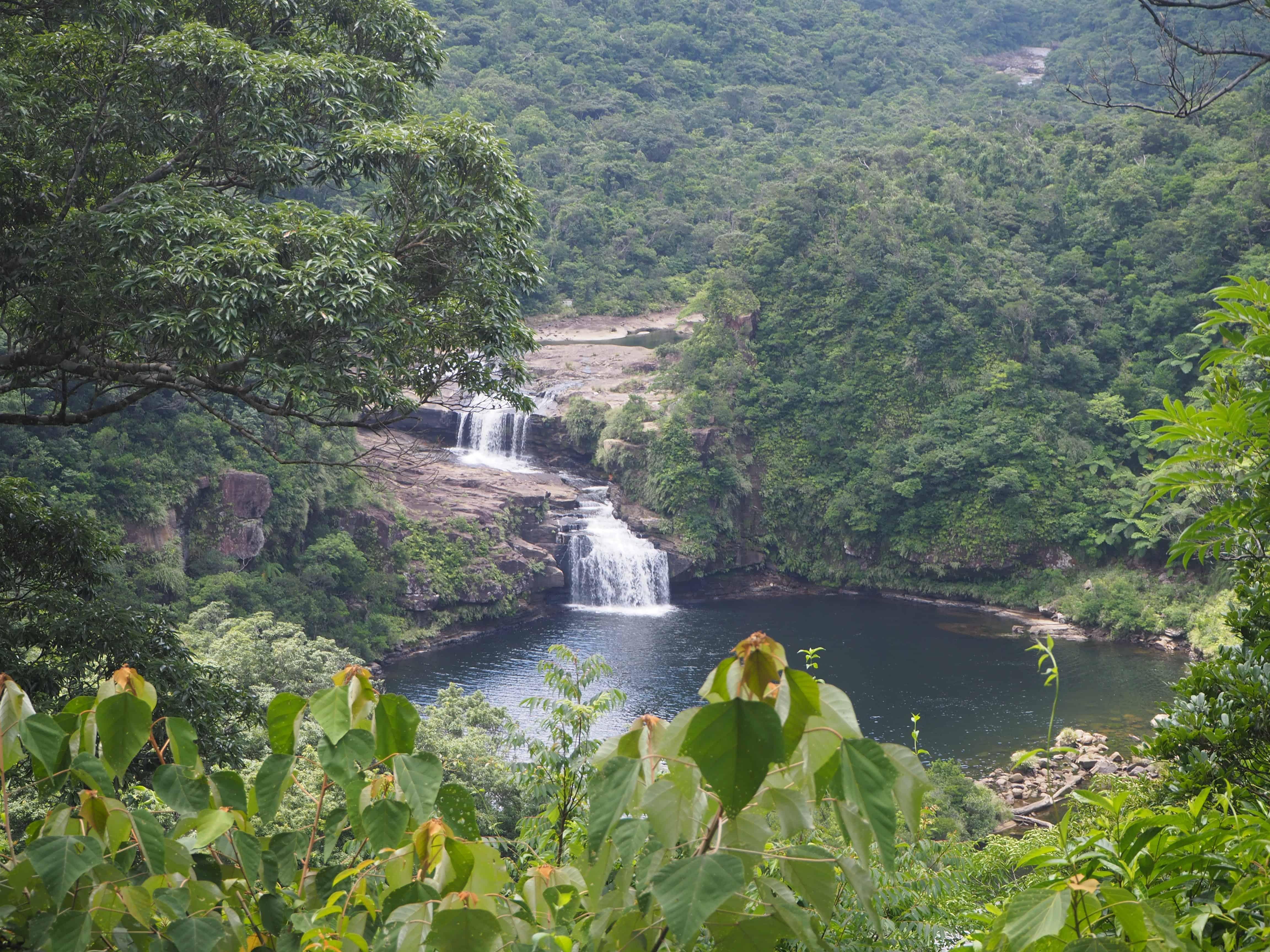 point de vue sur la cascade