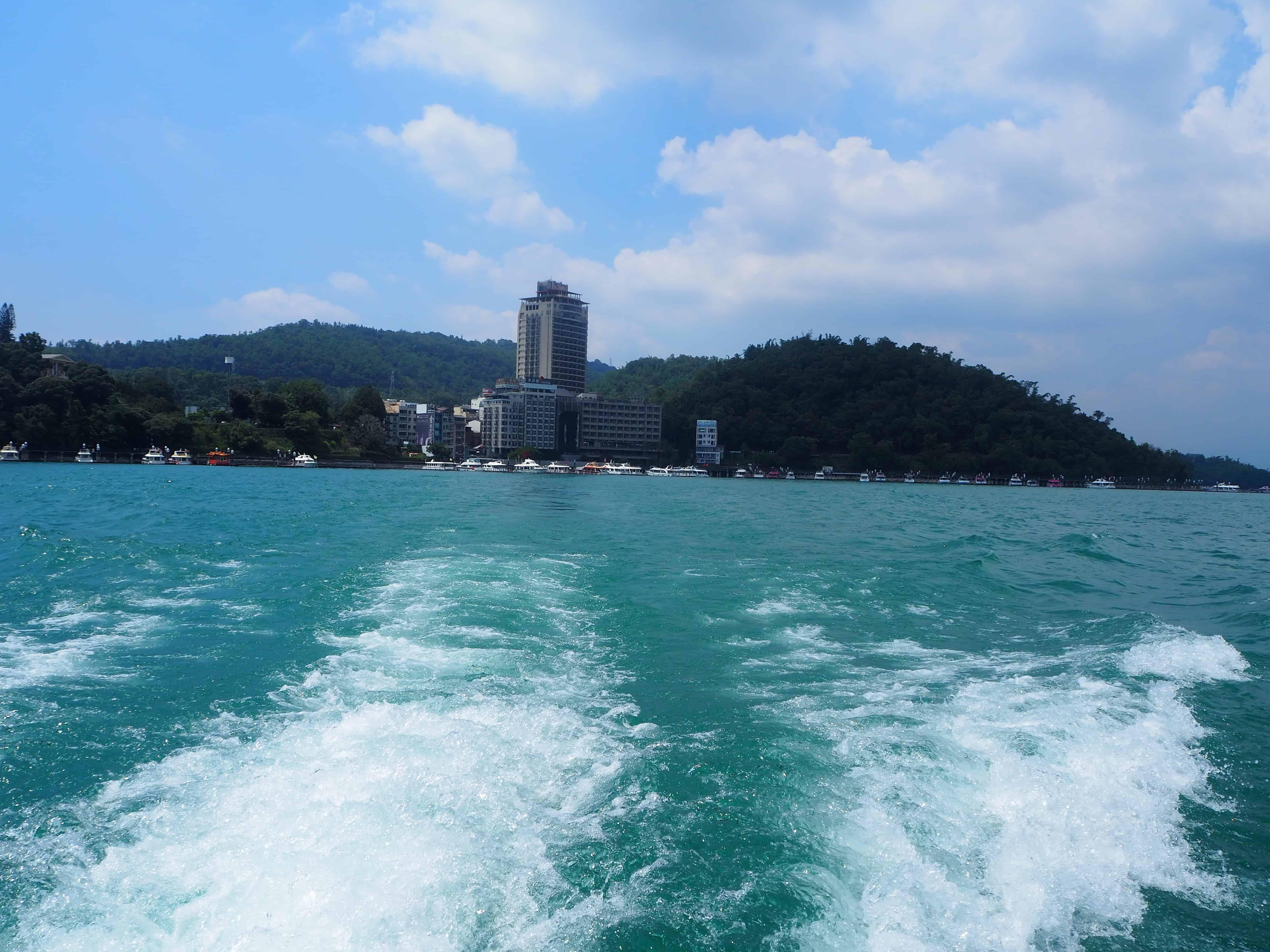 tour du lac en bateau