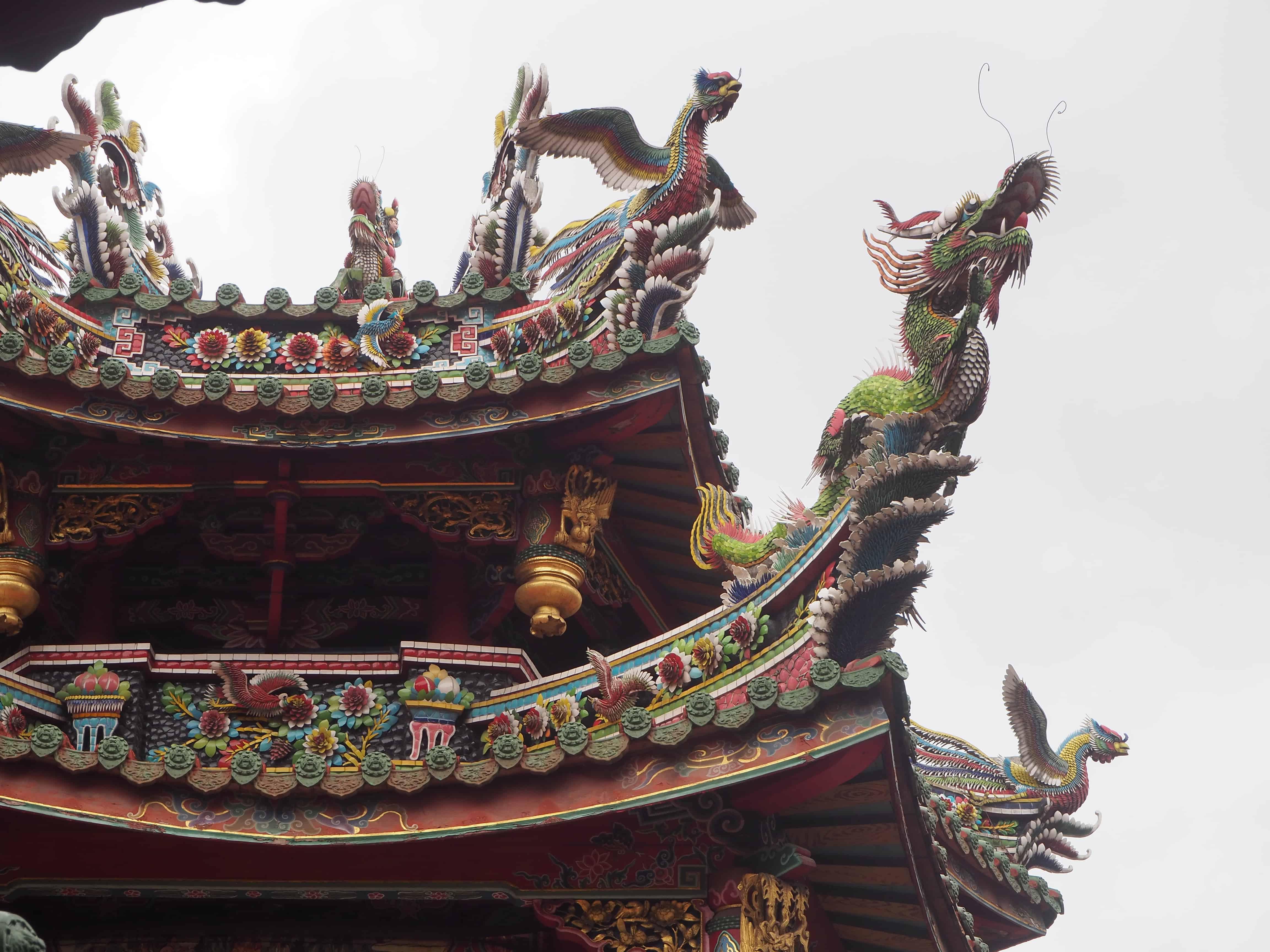 Temple avec des dragons