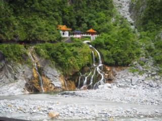 temple dans la montagne