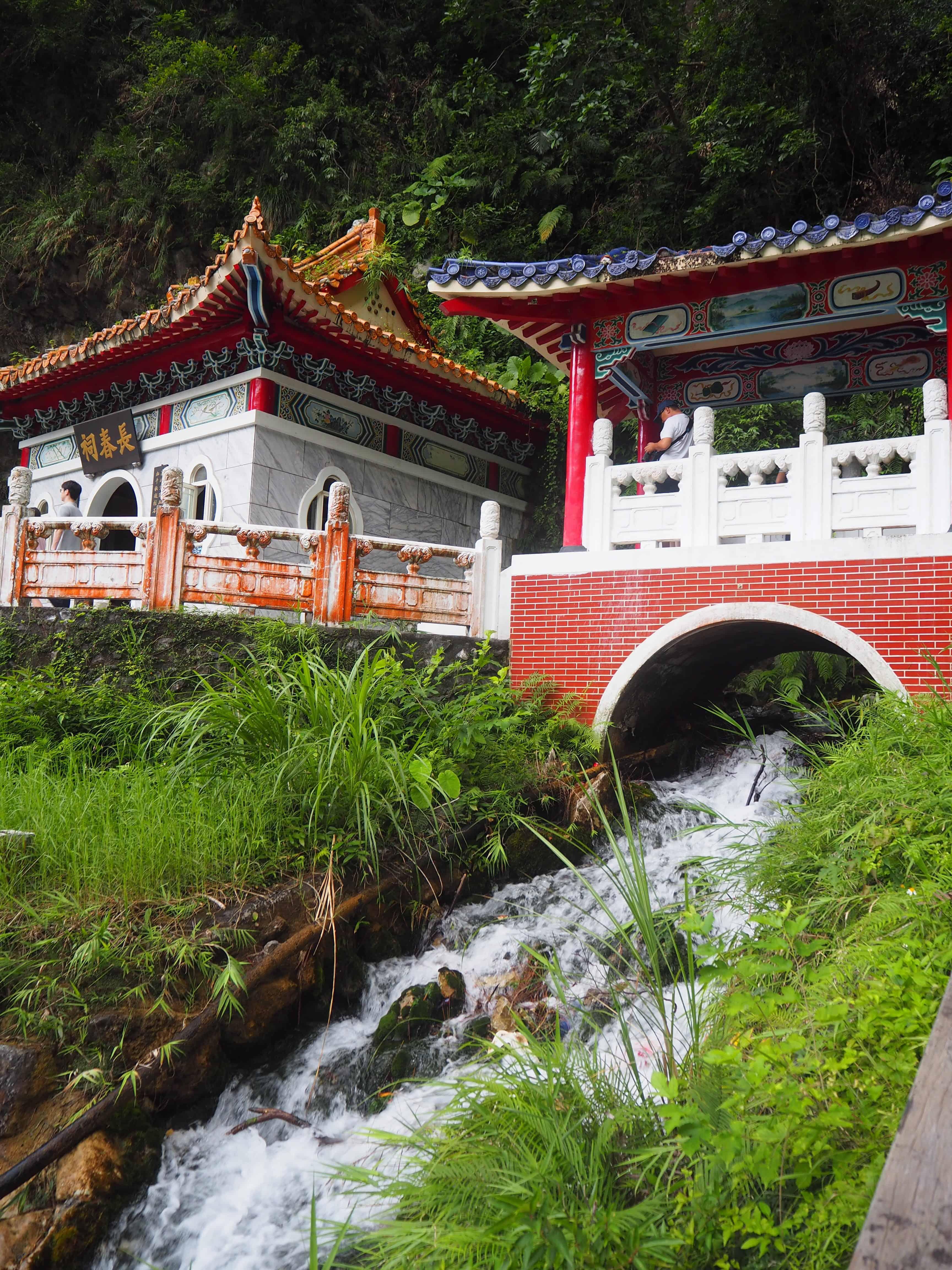 temple en pleine nature