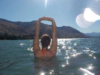 dans le lac de Wanaka