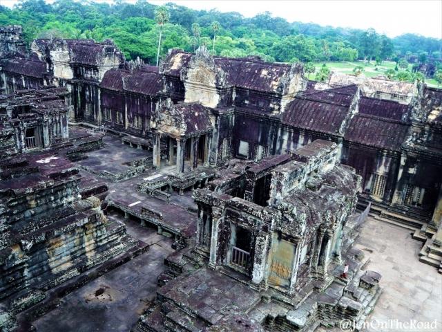 sur sur Angkor Wat