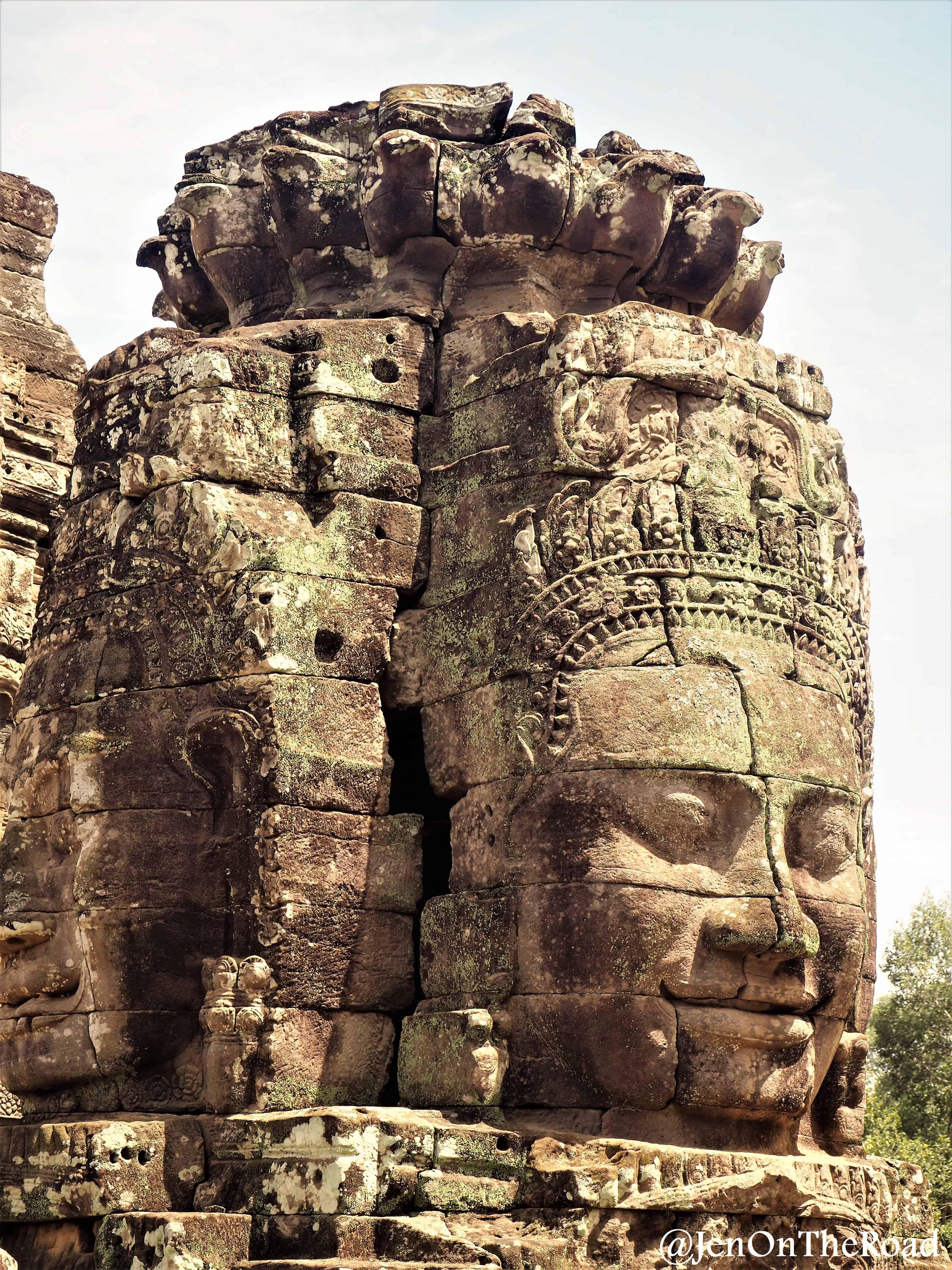 tête de bouddha en gros plan