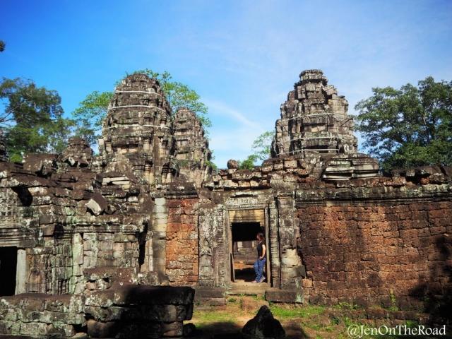 perdue au milieu des temples