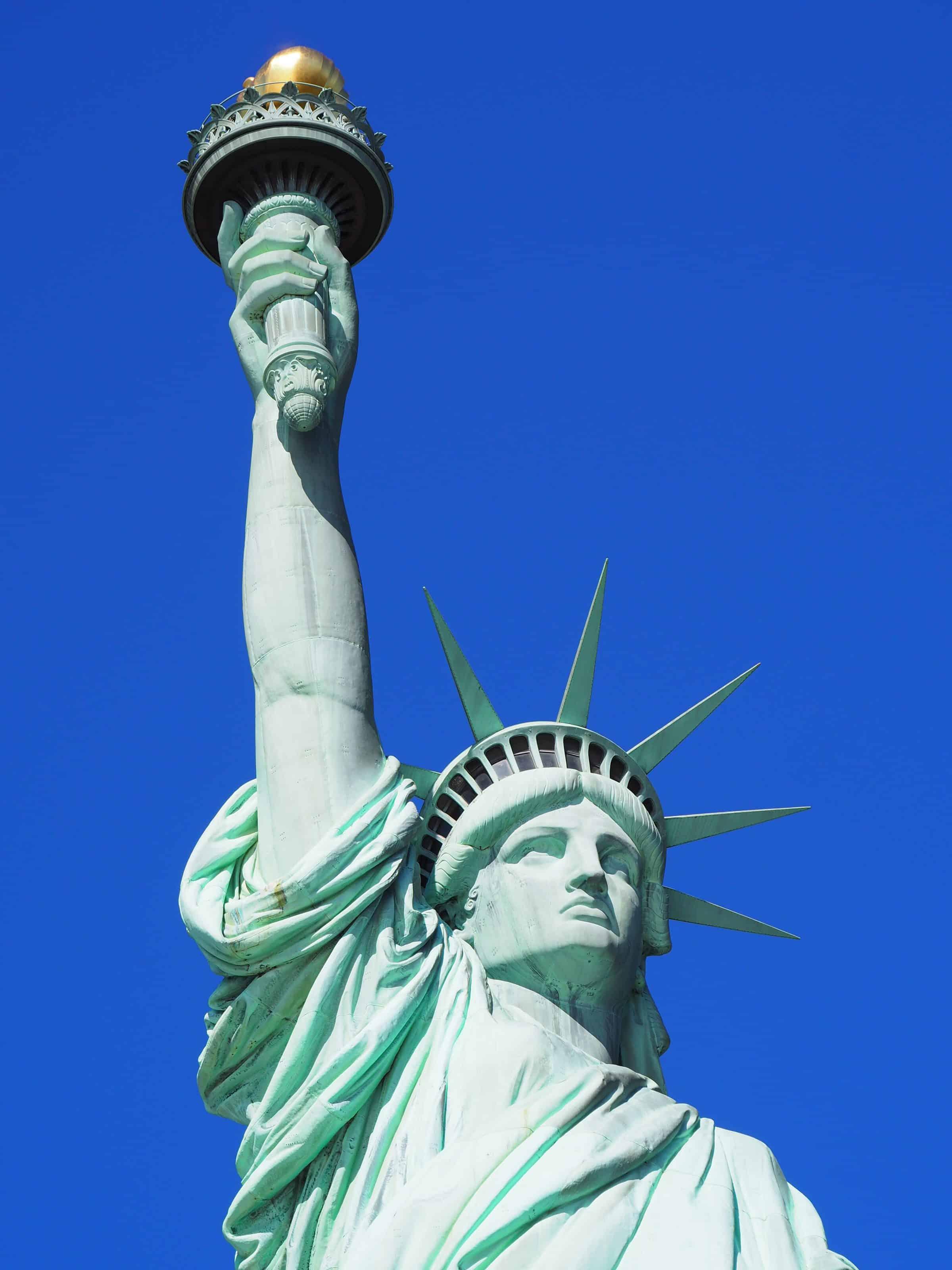 zoom sur la statue de la liberté
