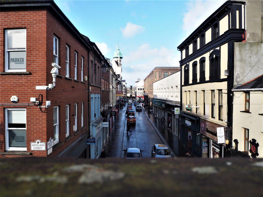 Vue sur Derry depuis les remparts
