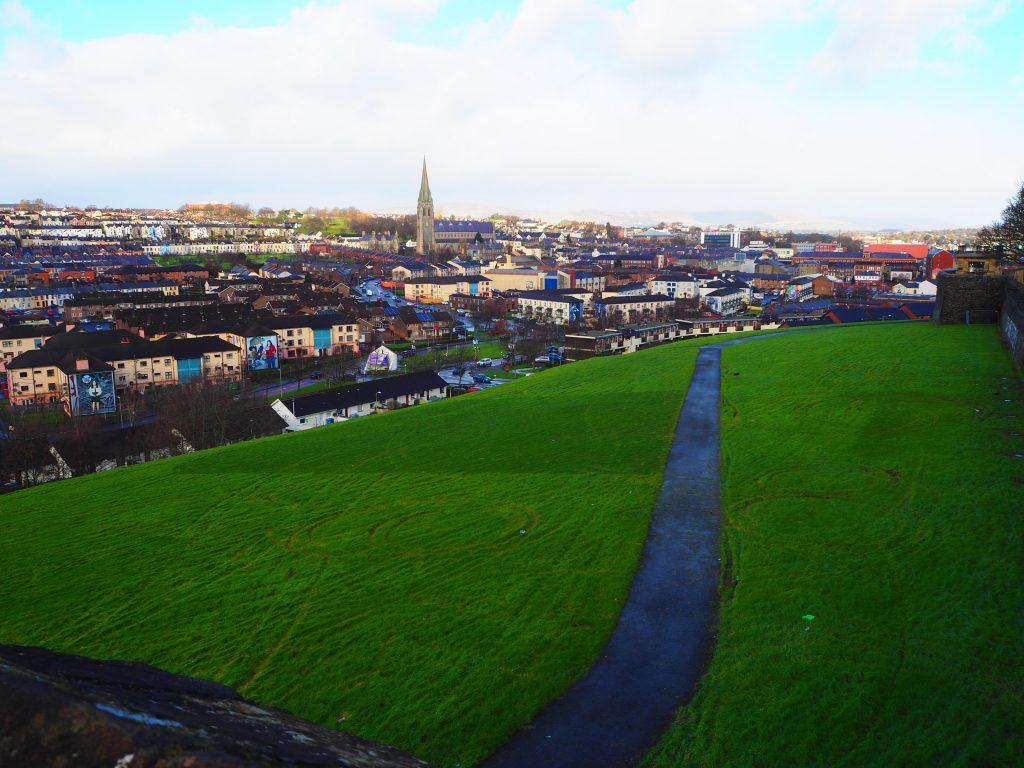 Vue sur les alentours de Derry